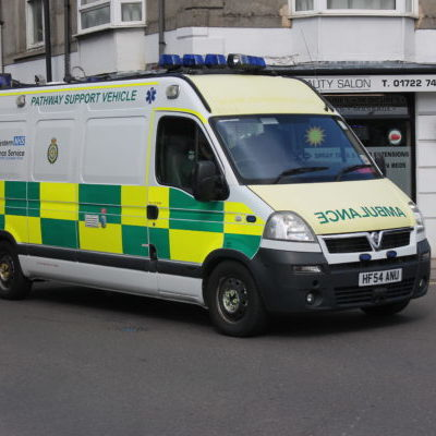 HF54_ANU_NHS_Pathway_Support_Vehicle_(Vauxhall_Movano)_(11013825845)